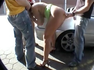 biggest-bazookas-mother id like to fuck in public