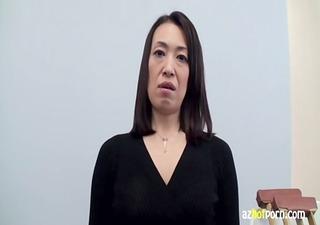 azhotporn.com - oriental housewife fractured legs