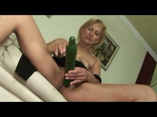 blond little saggy titted aged d like to fuck