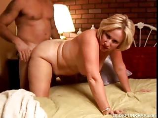 kinky older hottie molly gives a sloppy rimjob