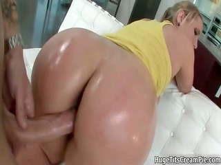 breasty blonde doxy goes crazy engulfing part10