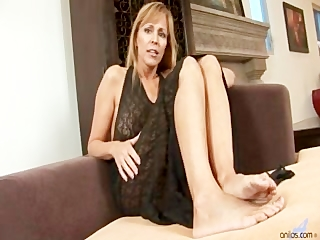 cougar mother i nicole moore sucks and acquires