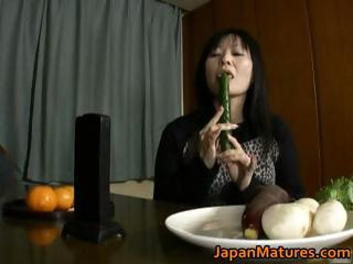 japanese milf enjoys masturbation part6