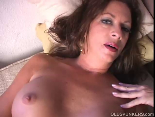 hawt cougar disrobes and frigs her soaked love
