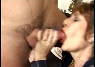 large mouth aged in stockings loves shlong