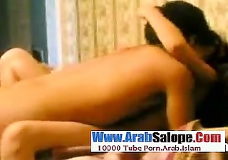 souhaitant restee vierge cette pucelle arabe se
