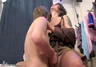 mom caught sons masturbatsyey her panties ...