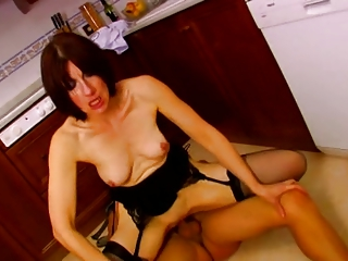 french mature receive fucked in kitchen troia