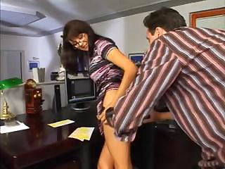 mature bonnie in glasses receives anal penetration