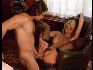blonde d like to fuck with a hairy snatch gets