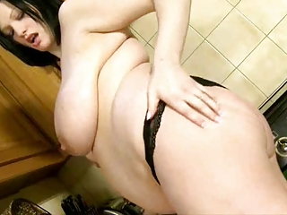 breasty pregnant wife