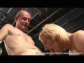 mature sex at uk swingers club 2 threesome