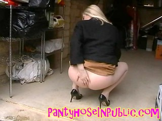 hawt pantyhose housewife in public flash