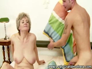 mature old granny getting pussylicked