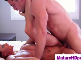 large breasts mature d like to fuck receives