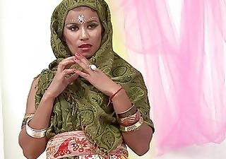 beautiful indian wife sucking muscle jock