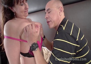 sexy mama is secretly a underware model